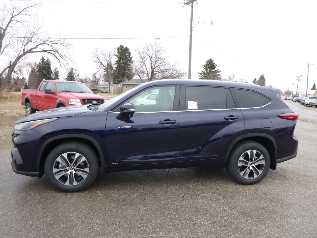 2021 Toyota Highlander Hybrid XLE L4 AWD Jamestown ND