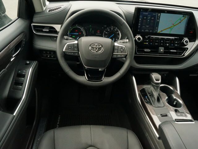 2021 Toyota Highlander Limited Whitehall WV