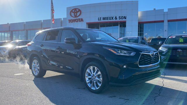 2021 Toyota Highlander Limited Green Bay WI