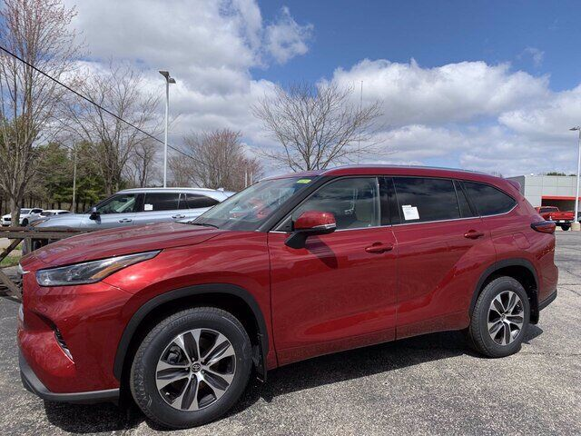 2021 Toyota Highlander XLE Bloomington IN