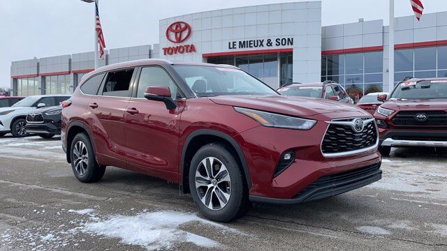 2021 Toyota Highlander XLE Green Bay WI