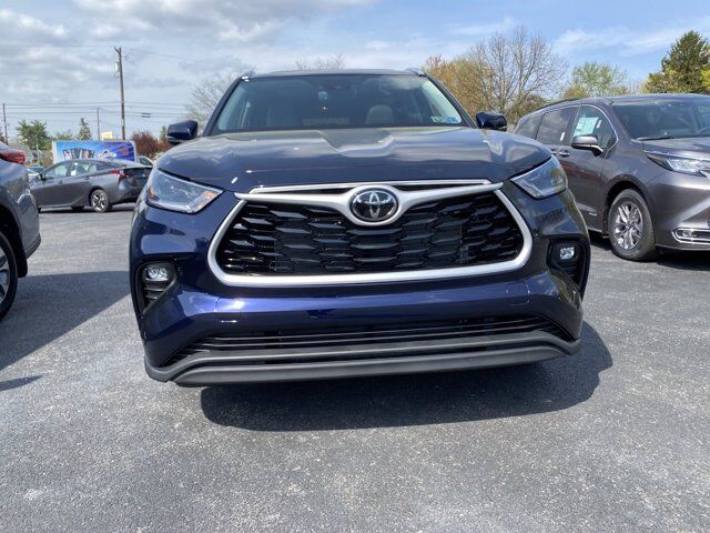 2021 Toyota Highlander XLE State College PA