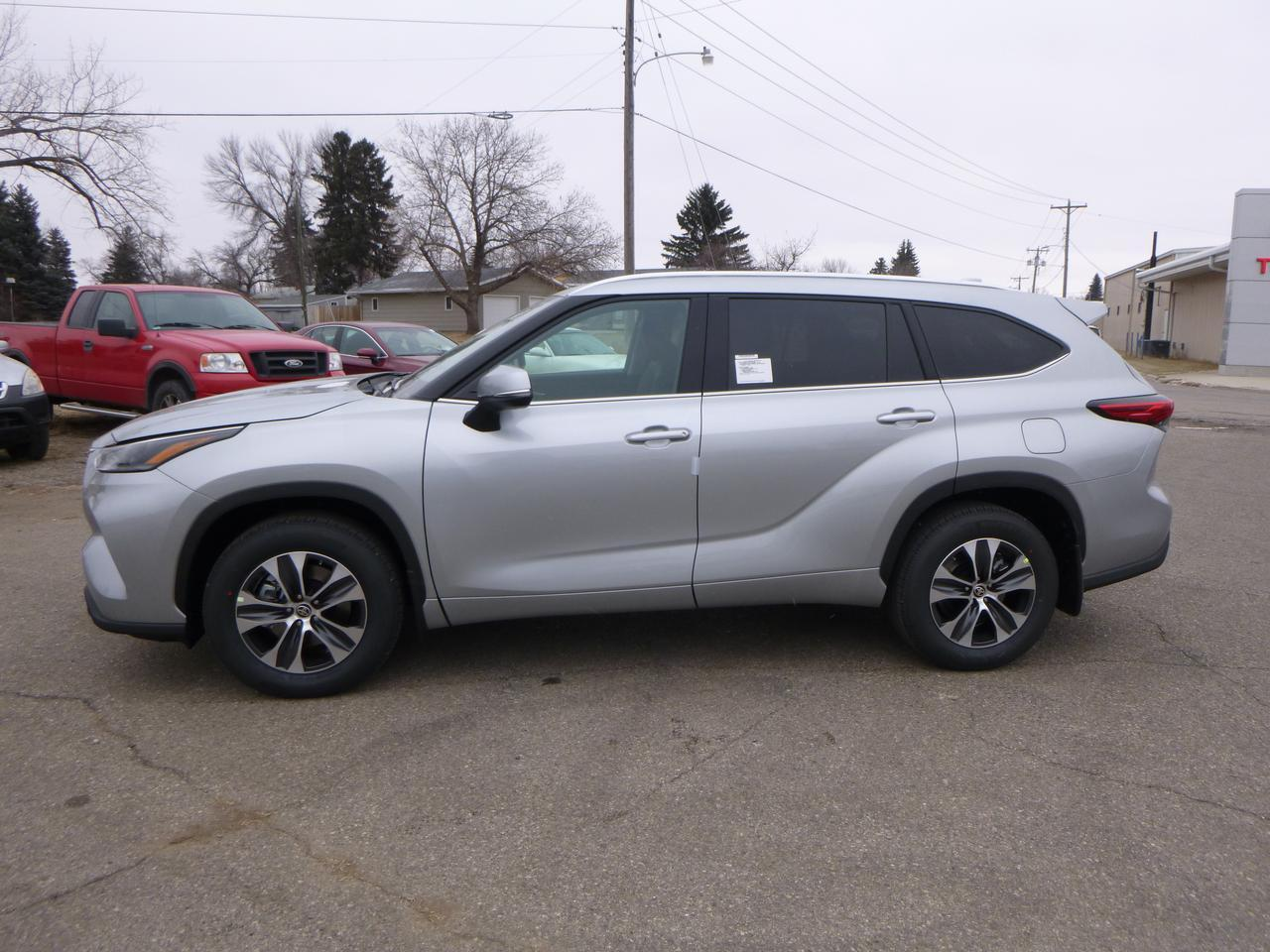 2021 Toyota Highlander XLE V6 AWD Jamestown ND