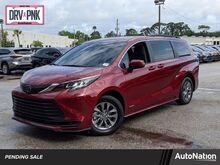 2021_Toyota_Sienna_LE_ Maitland FL