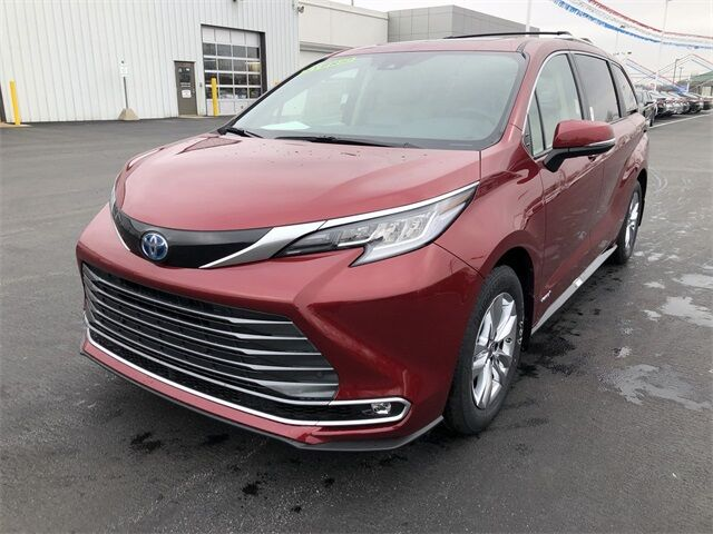 2021 Toyota Sienna Limited Lima OH