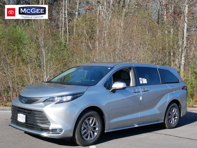 2021 Toyota Sienna XLE AWD 7-Passenger Hanover MA