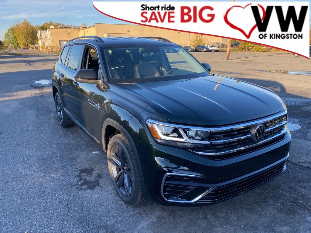 2021_Volkswagen_Atlas_3.6L V6 SE w/Technology R-Line_ Kingston NY