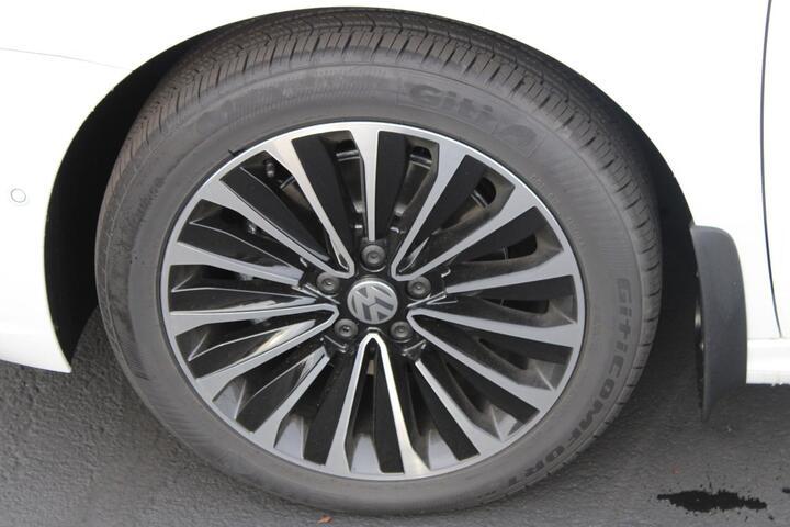 2022 Volkswagen Passat 2.0T Limited Edition Everett WA
