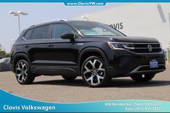 2022_Volkswagen_Taos_SEL 4Motion_ Clovis CA
