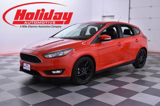 vehicle details 2016 ford focus at holiday automotive fond du lac holiday automotive. Black Bedroom Furniture Sets. Home Design Ideas