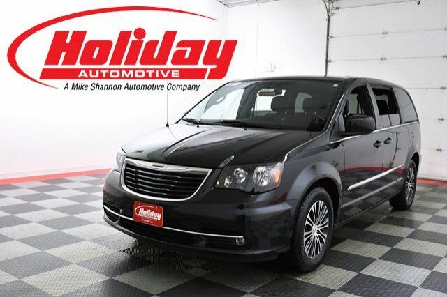 2014 Chrysler Town & Country S Fond du Lac WI