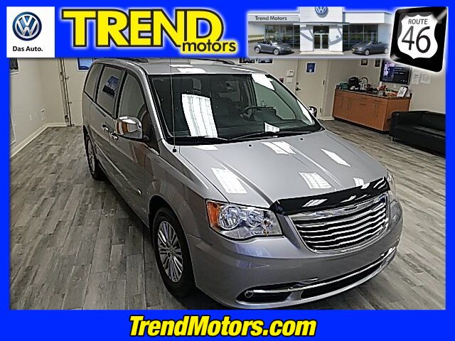 2013 Chrysler Town & Country Touring-L Morris County NJ