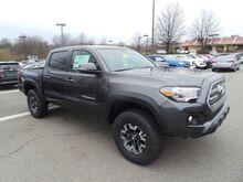2017 Toyota Tacoma TRD Off Road Double Cab 5' Bed V6 4x4 AT Cranberry Twp PA