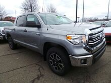 2017 Toyota Tundra SR5 CrewMax 5.5' Bed 5.7L Cranberry Twp PA