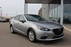 Mazda 3 GS - Ultra low KM! 2014