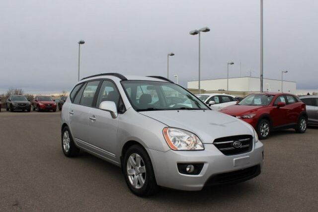 2008 Kia Rondo LX  Low Mileage, Great Fuel Economy and tons of room! Lethbridge AB