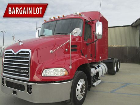 2011 Mack CXU613 70 Inch Mid Roof Eau Claire MN