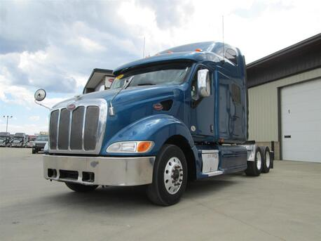 2010 Peterbilt 387 68 Inch Raised Roof Eau Claire MN