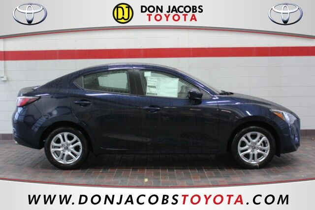 2017 Toyota Yaris iA Base Milwaukee WI