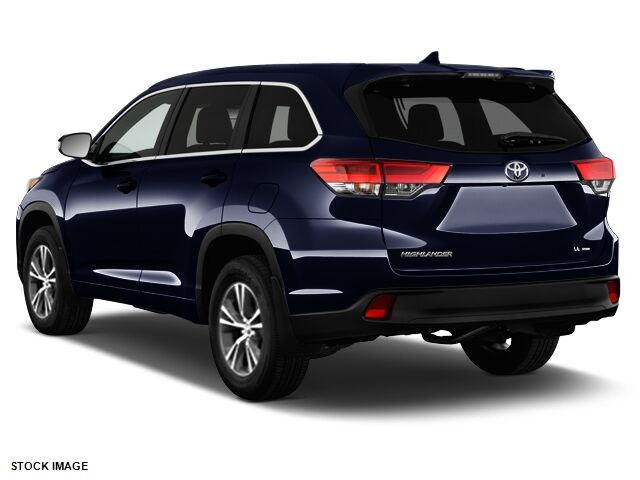 2017 toyota highlander le plus whitehall wv 19245846. Black Bedroom Furniture Sets. Home Design Ideas