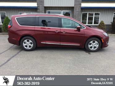2017 Chrysler Pacifica Touring-L Plus Decorah IA