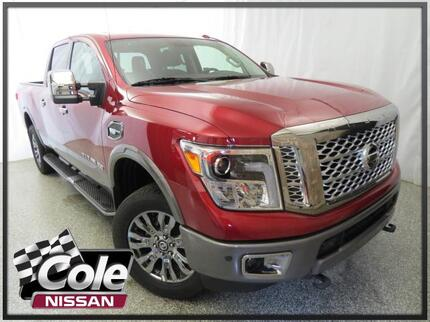 2017 Nissan Titan XD 4x4 Gas Crew Cab Platinum Reserve Southwest MI