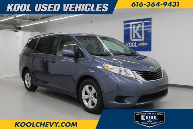 2014 Toyota Sienna 5dr 8-Pass Van V6 LE FWD Grand Rapids MI