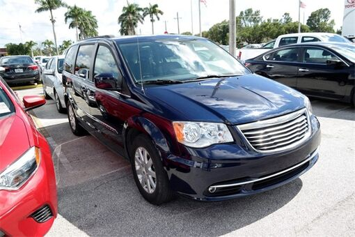 2015 Chrysler Town & Country Touring Homestead FL
